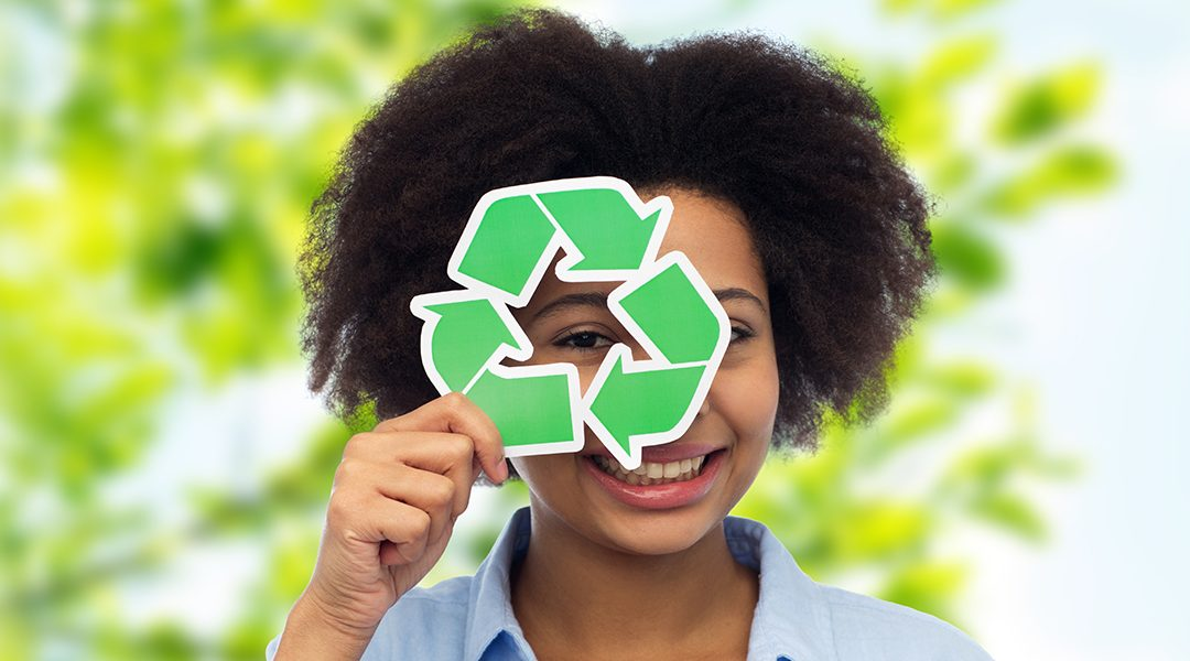 Consciencializado com a reciclagem, mas sem saber onde e como descartar as suas lentes de contacto? Descubra que ecoponto deve usar!